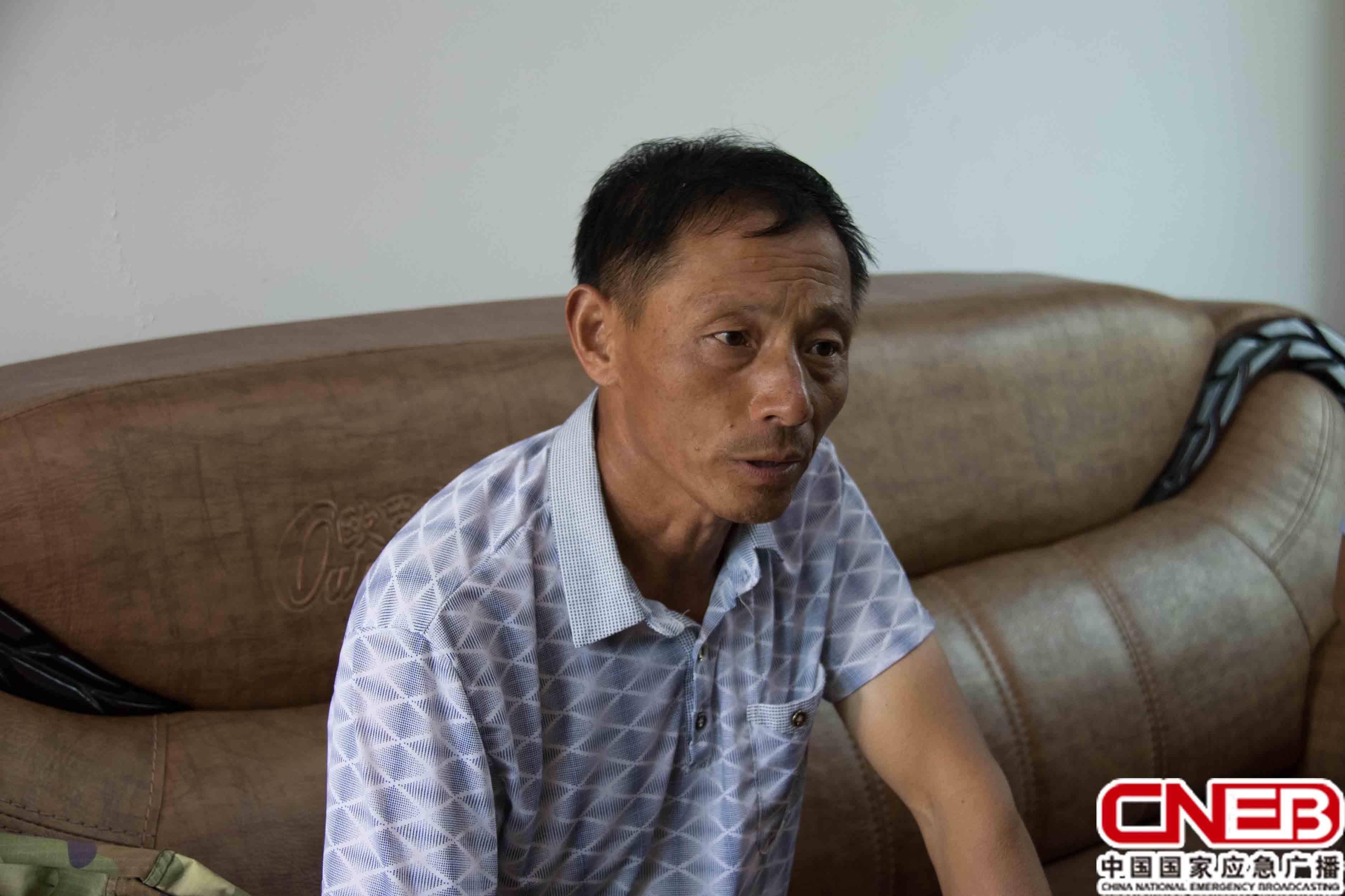 梧坊村村委会主任白树华(国家应急广播网记者王雨薇_摄)