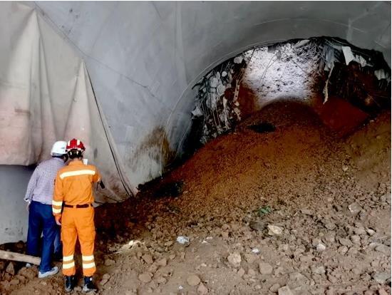 77小时生死救援!中铁二局昆明队成功救出5名隧道塌方被困人员